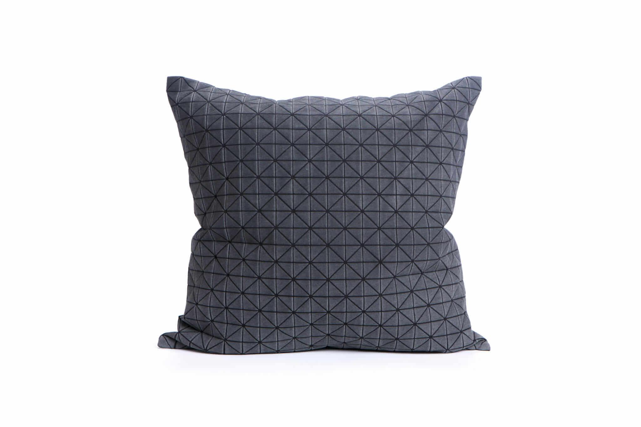 Polštář Geo Origami Black