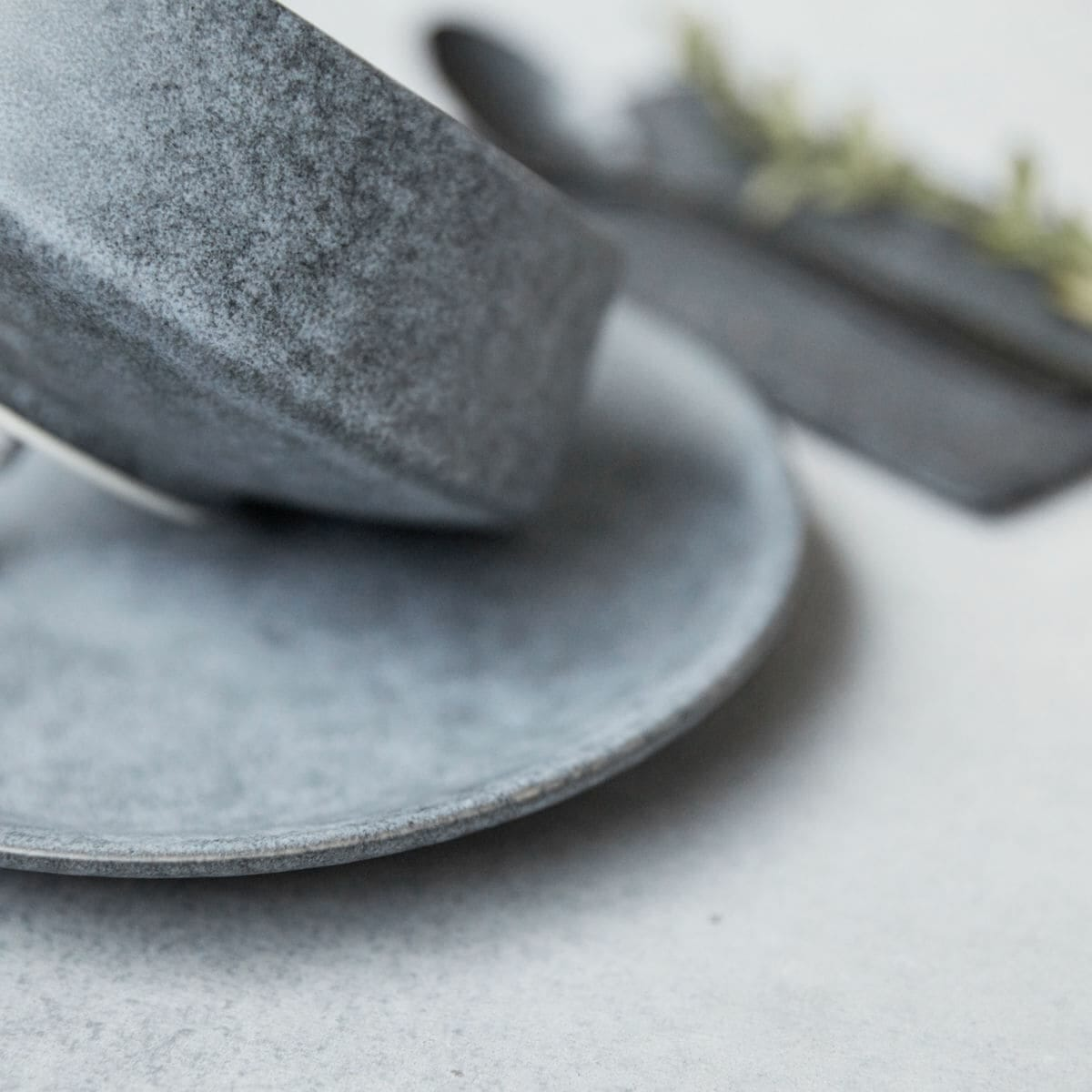 Hranatá misaka Grey Stone