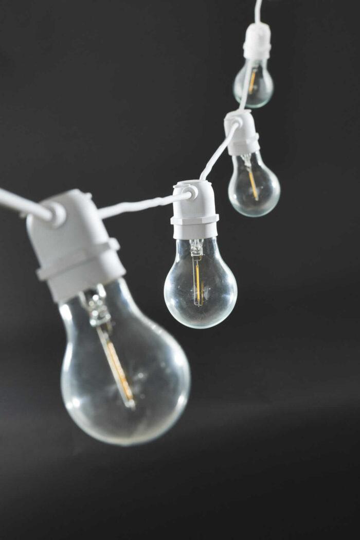 Bílý světelný řetěz LED